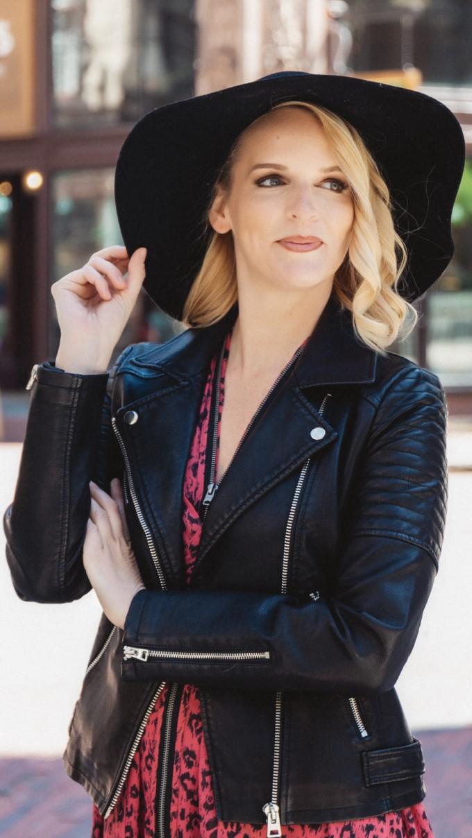 Team - Nikki Groom
